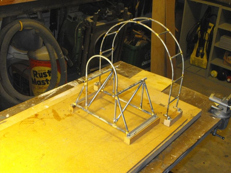 Building airboat cage | Franse